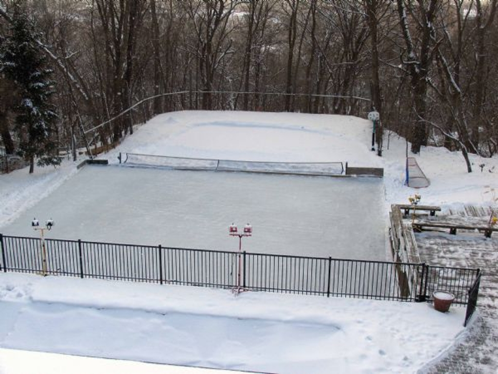 Backyard Ice Rink Diy : Backyard Rinks