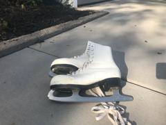 Figure Skates (Size 7)