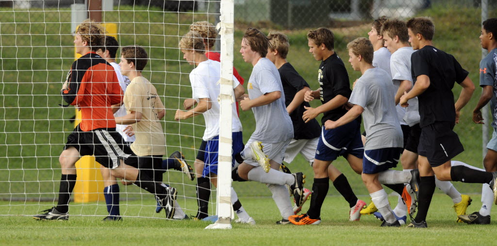 Apple Valley works on passing and shooting drills Aug. 23 during practice. Richard Sennott, Star Tribune