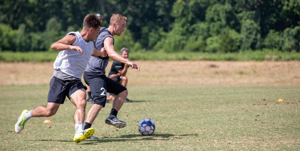 Matt LaGrassa and Taylor Washington battle it out in Nashville SC training