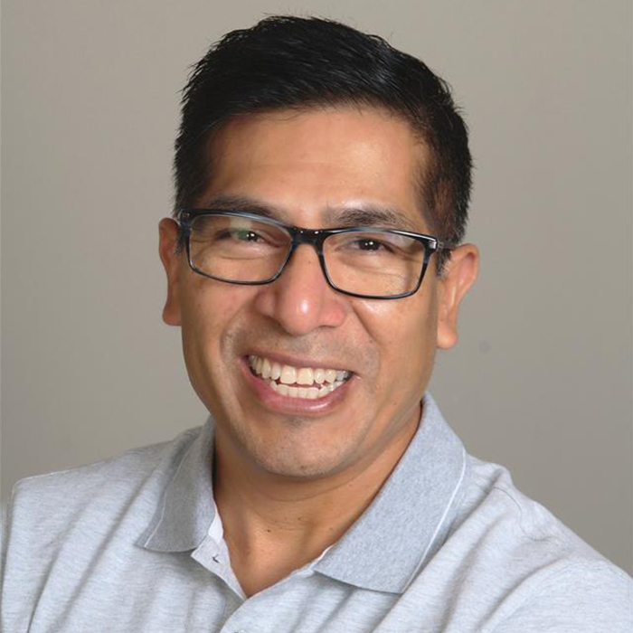 Headshot of Victor Reyes