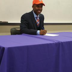 2015-17u RJ WIlliams commits to Bowling Green