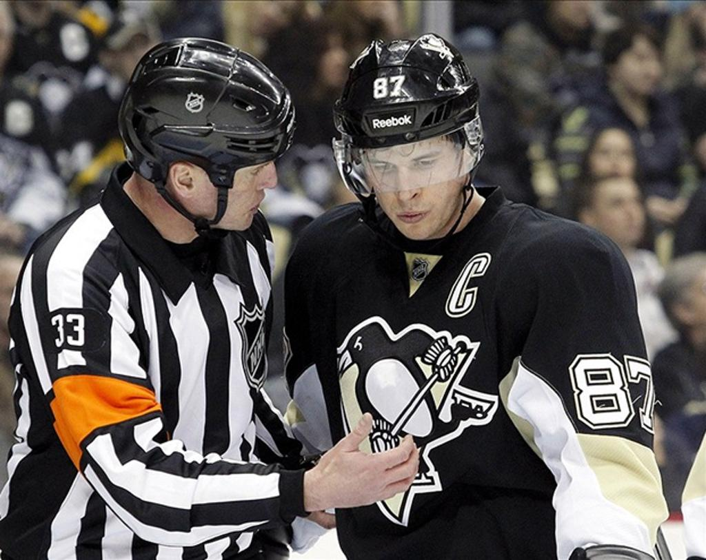 New Hockey Refs Learn from A Pro