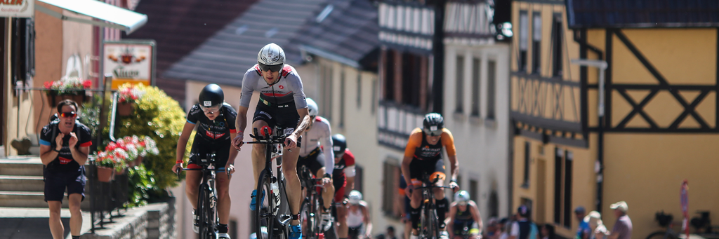 Bikers participating in IRONMAN 70.3 Kraichgau