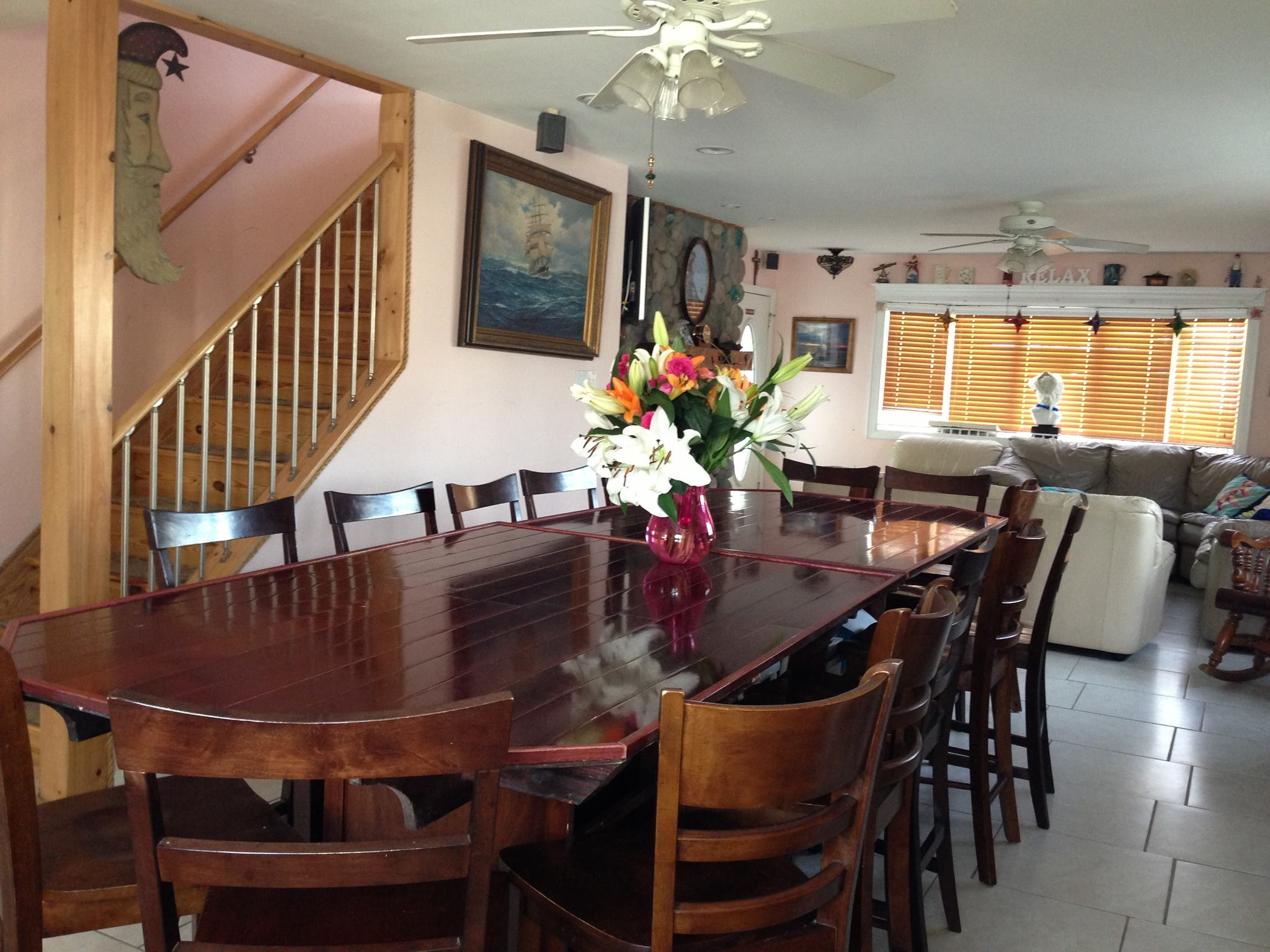 Long Beach Island in New Jersey the best Wedding Place in New Jersey - New Jersey Hotels and New Jersey Beach Front PropertyFirst Floor Living Room with 42 inch TV and surround sound