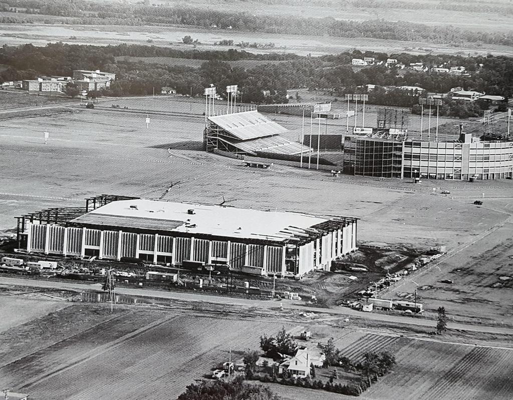 Metropolitan Sports Center/Met Center