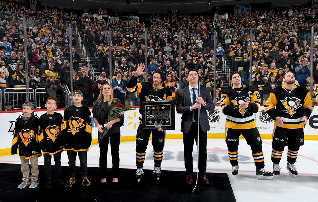 adeaf1bdc ... his family with gifts. That included a framed art piece commemorating  key moments in Cullen's career, a silver-plated hockey stick and a  side-by-side, ...