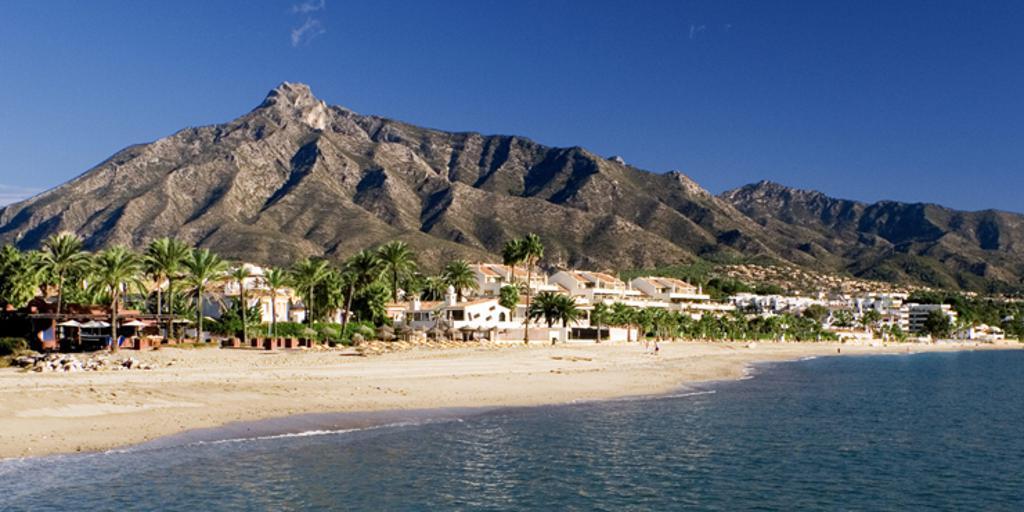 Scenic view of beachfront accommodations