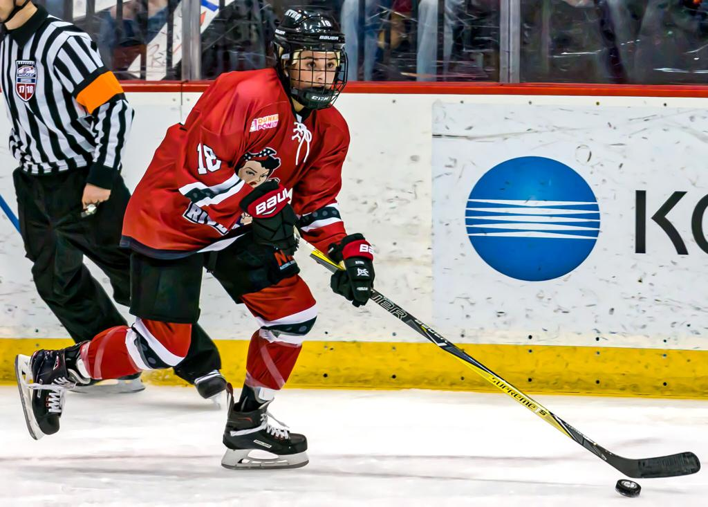759b9f706c2 Two-Time NWHL All-Star Rebecca Russo Re-signs with the Metropolitan Riveters