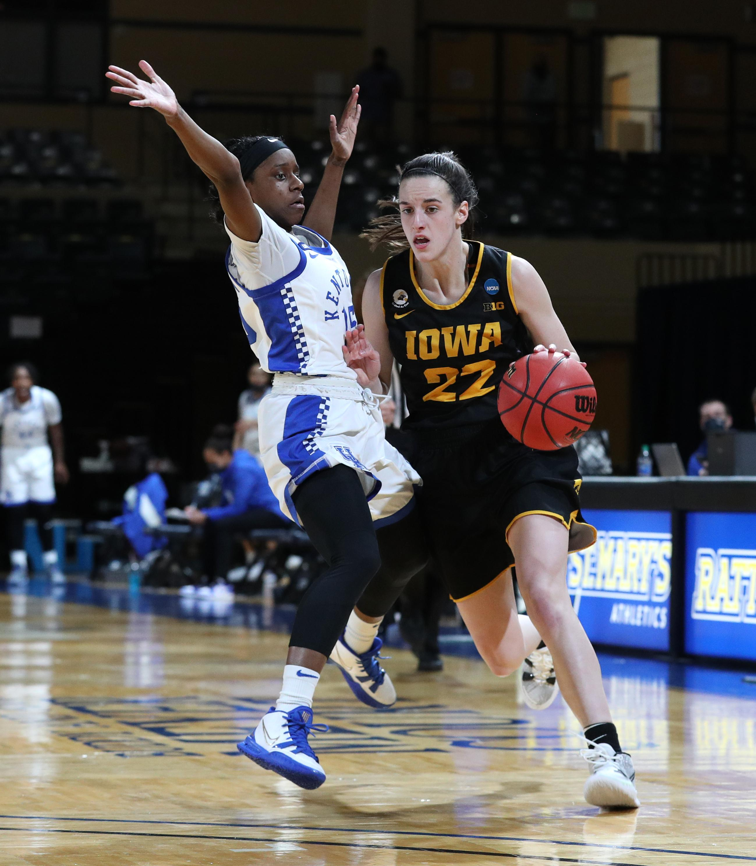 Iowa Hawkeyes guard Caitlin Clark (22) drives against Kentucky Wildcats guard Chasity Patterson (15) during the second round of the 2021 NCAA Women's Basketball Tournament Tuesday, March 23, 2021 at Bill Greehey Arena in San Antonio, TX. (Stephen Mally/ha