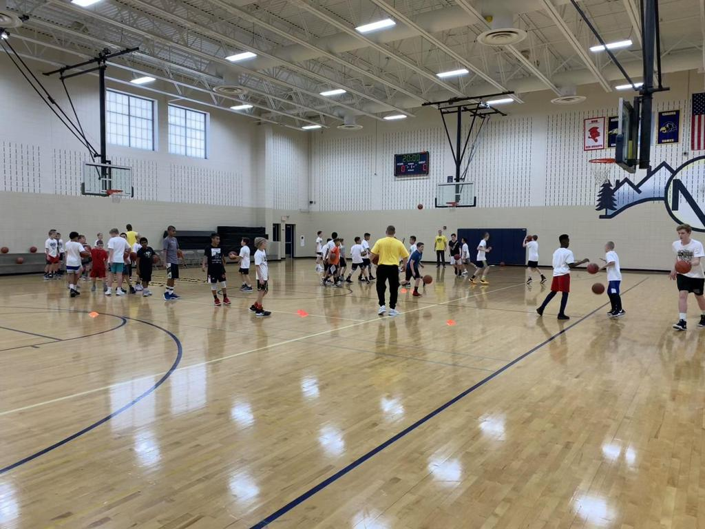 Rising HoopStars Camp action