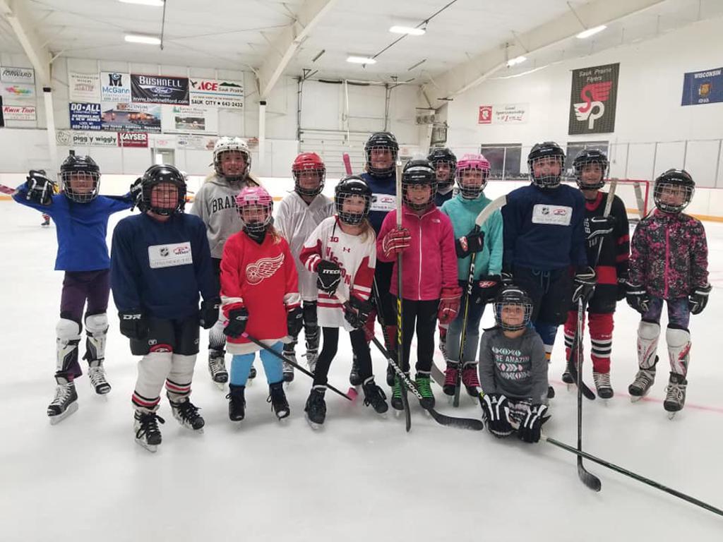 Sauk Prairie Girls Try Hockey For Free Event 2018