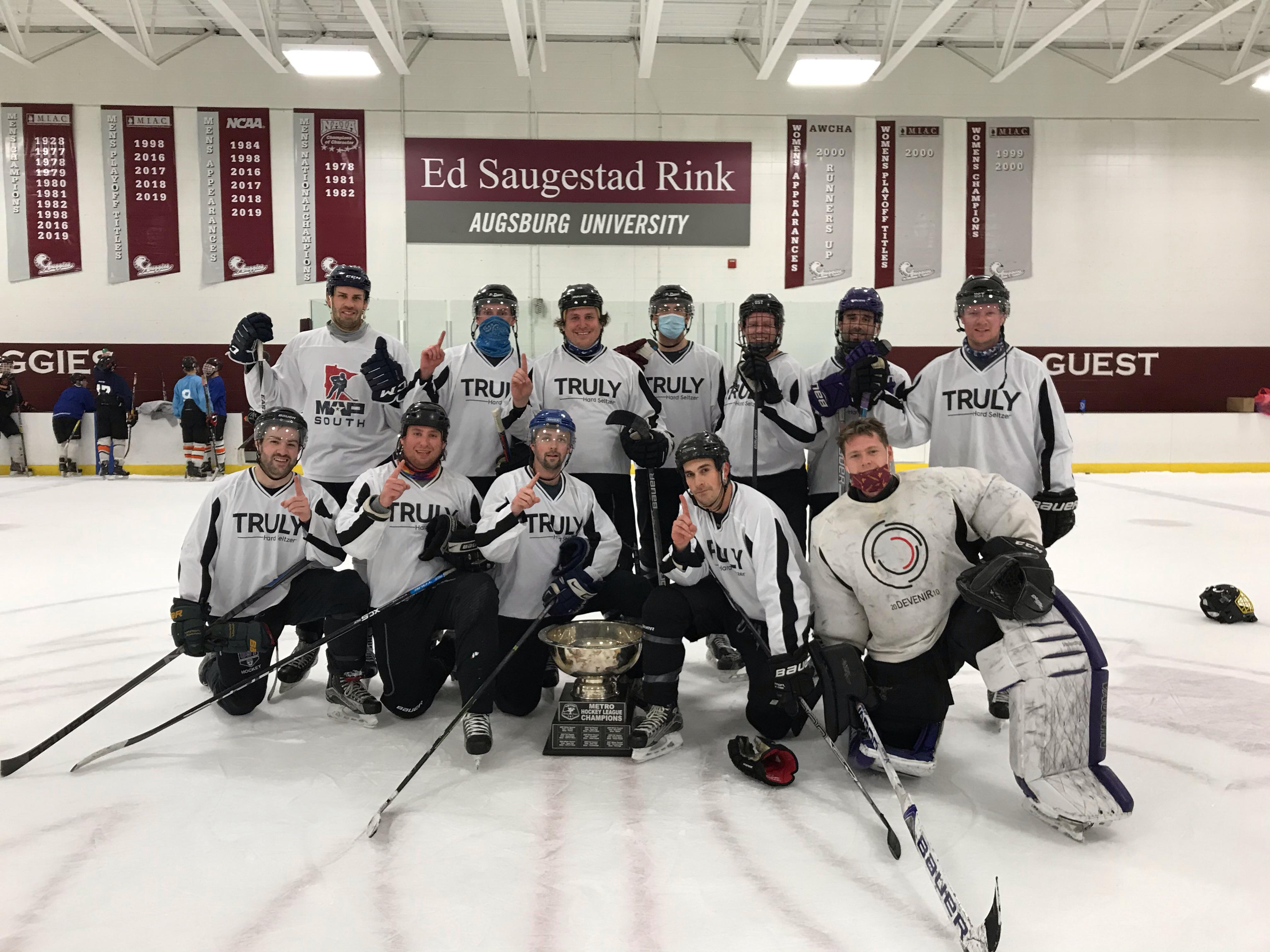 2020Gold Champs - Truly Hard Seltzer
